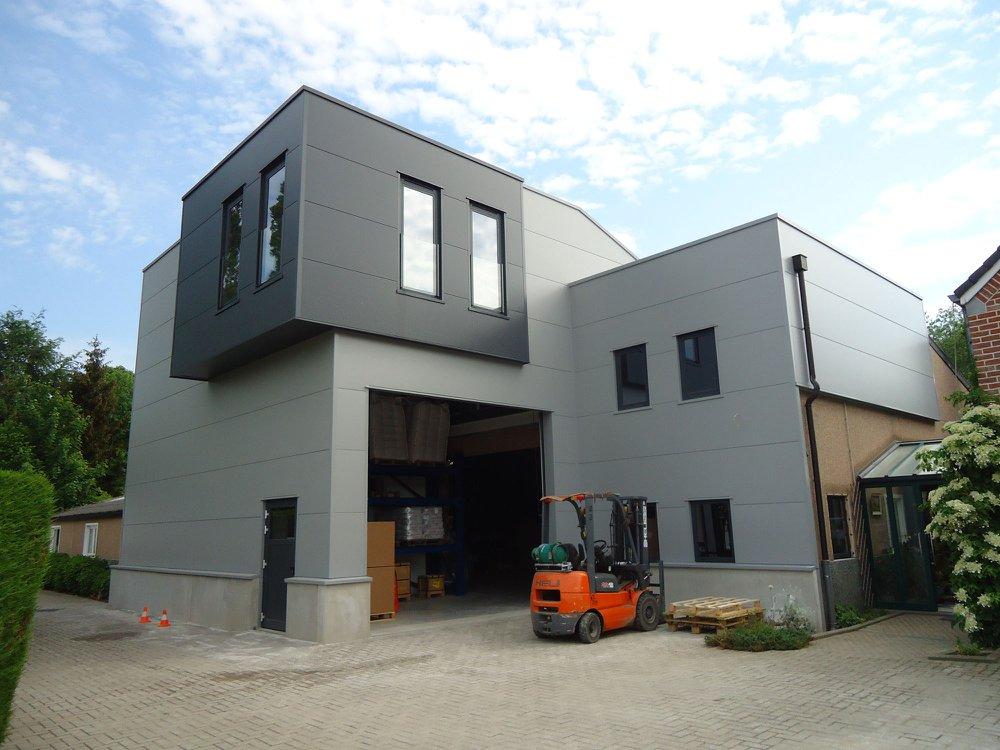 Hall industriel <br/> Bassenge